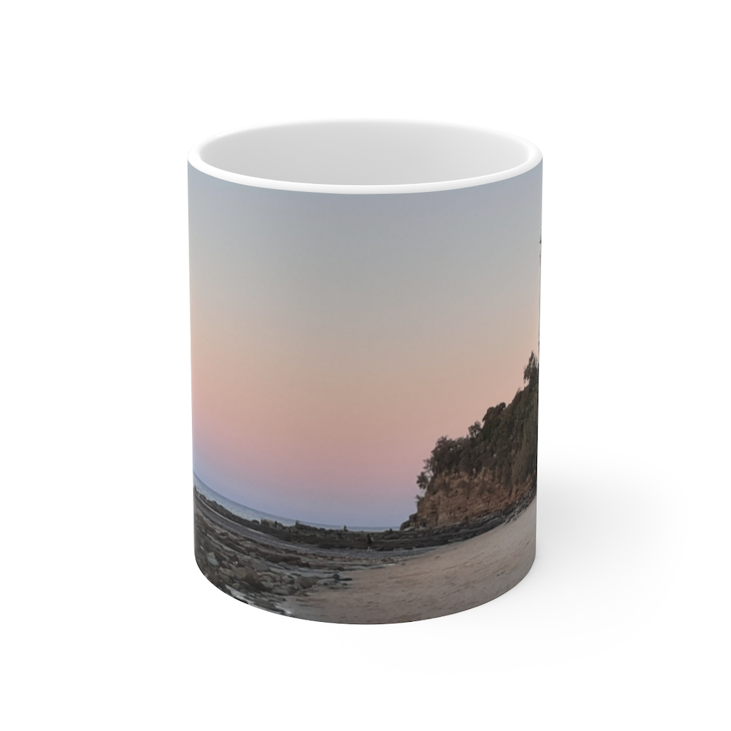 This Point Cartwright Lighthouse Beach Cup is available to buy from the Beach Scenes online store.
